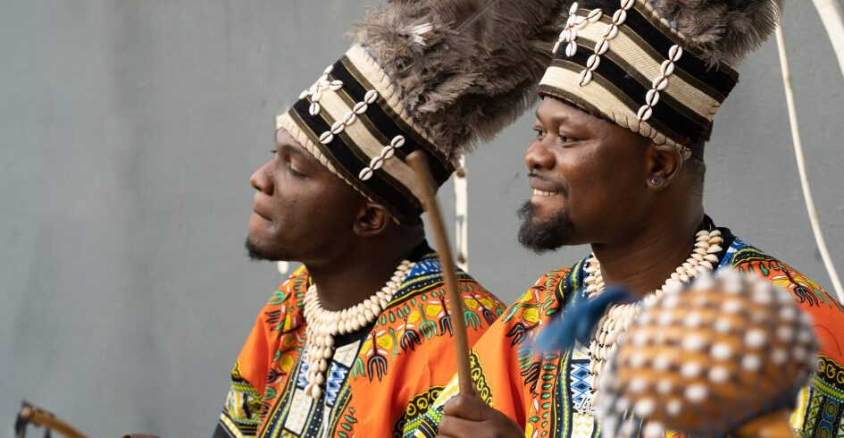 african-musical-band-playing-on-the-street_t20_b6k2NB